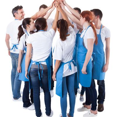 Trabajamos en equipo para aportar a nuestros clientes la seriedad, confianza y calidad que Alicantina de Limpiezas atesora desde sus inicios.