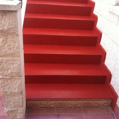 Impermeabilización antideslizante de escalera