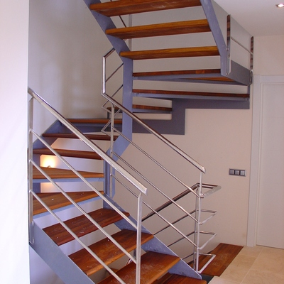 escalera adosado