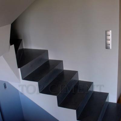 Escalera con microcemento