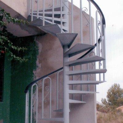 Ideas y fotos de escaleras de estilo r stico en barcelona - Escaleras de caracol barcelona ...