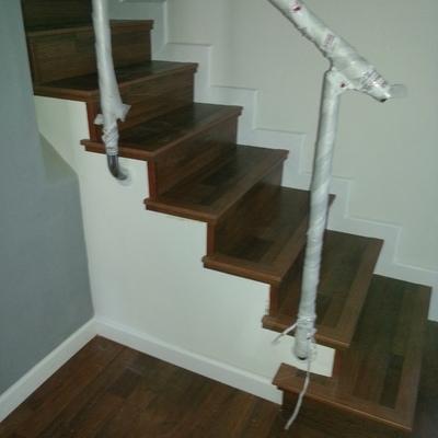 escalera de tarima