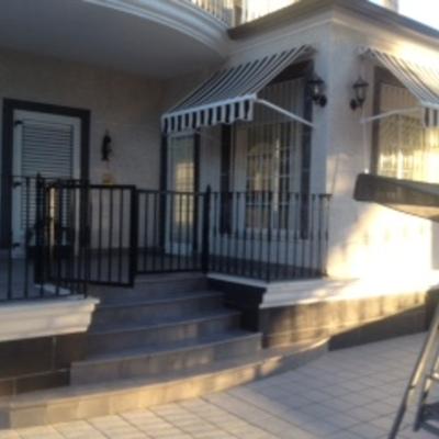 Escalera en terraza.