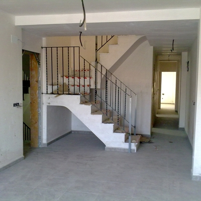 Escalera interior exclusiva de vivienda en l'Alcudia de Crespinsn