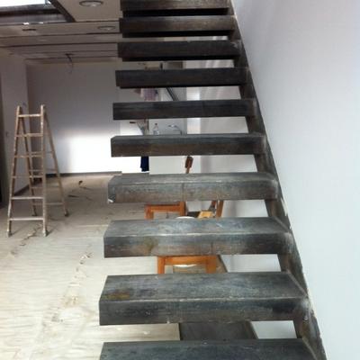 Escalera Metálica Acceso primera Planta Loft en Alcobendas