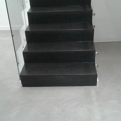 Escalera - Negra