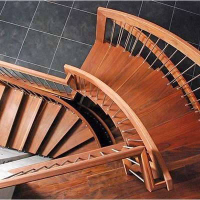 Escaleras con diseño de madera