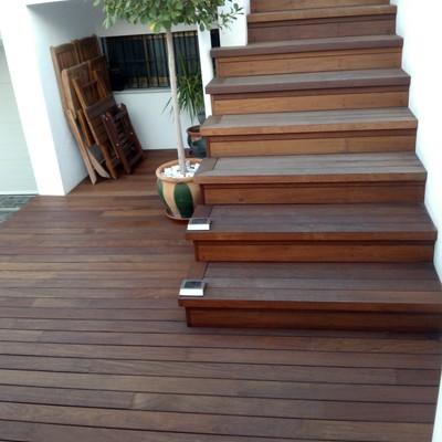 escaleras en madera de ipe