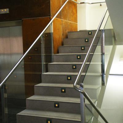 Escaleras y portal