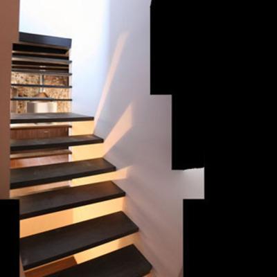 Escaleras rehabilitación casa en pueblo