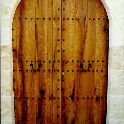 Puerta entrada de encina