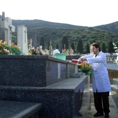 ETERNALIA en el cementerio