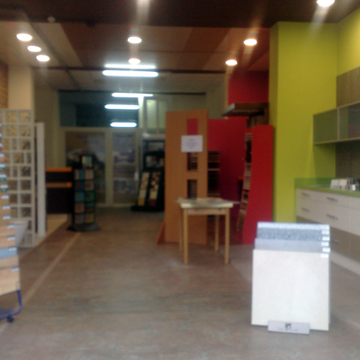 Exposicion y almacen