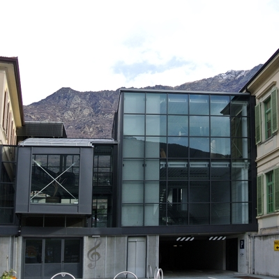 exterior de edificio de uso público