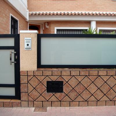 fachada de hierro tratado al horno