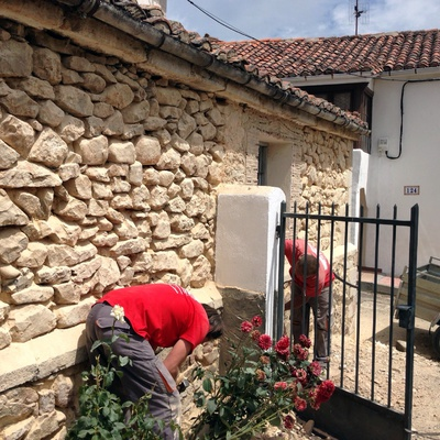 Fachada de iglesia en Sorribos de Alba