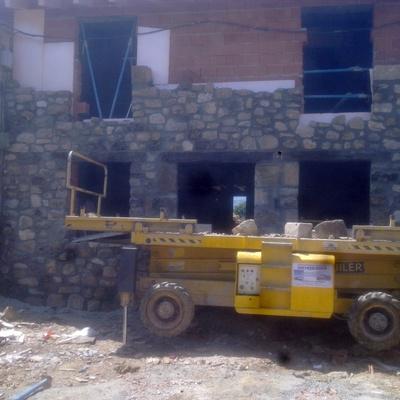 FACHADA DE PIEDRA CONSTRUCCION REINOSA