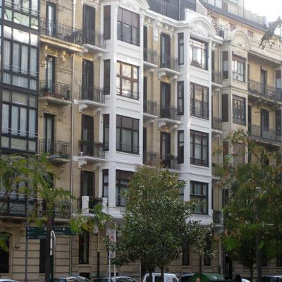 Fachada edficio Prim43, San Sebastián