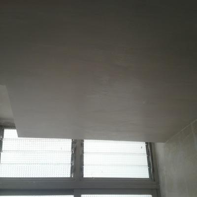 falso techo con cortinero de escayola