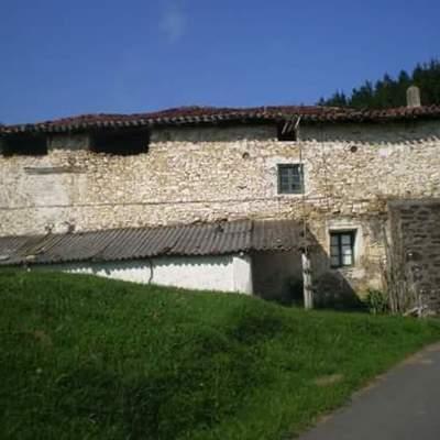 Caserio de Ibarruri(Muxika)antes de la obra