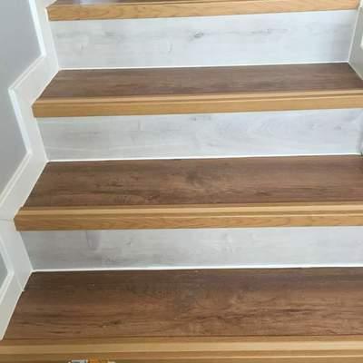 Revestido de escaleras madera