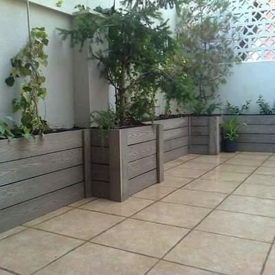 Construcción de jardineras con madera tecnologica