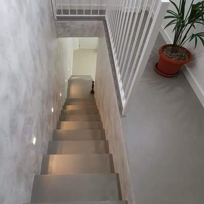 Escalera y suelos