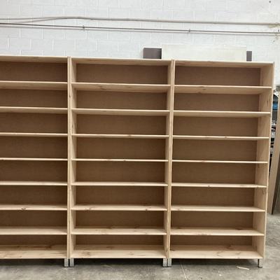 Estanterías para librería en madera de pino