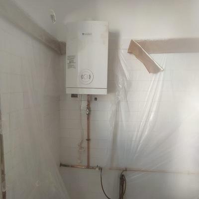 Instalación gas con calentador ACS.