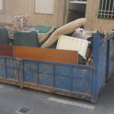 Recogida de basura y desescombro