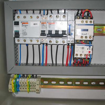 cuadro motor trifasico con reloj y contactor con su rele termico