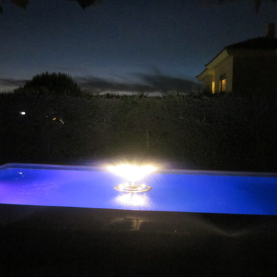 Fuente Flotante para piscinas