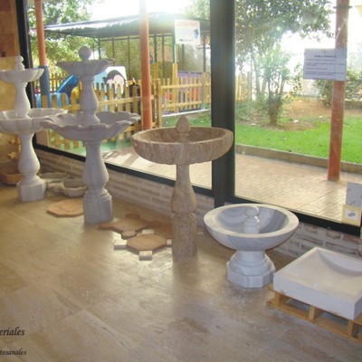 Materiales artesanales stone terracota marbella - Fuentes de piedra natural ...