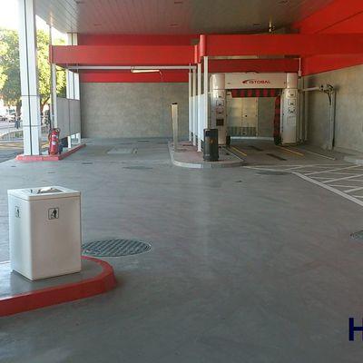 gasolinera con pavimento epoxi industrial
