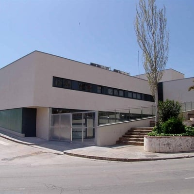 Castellbisbal. Guardería La Caseta y centro juvenil.