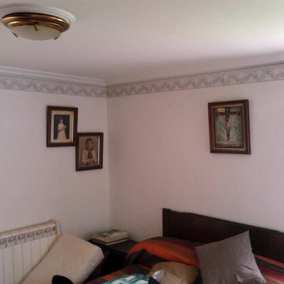 Habitación terminada con greca