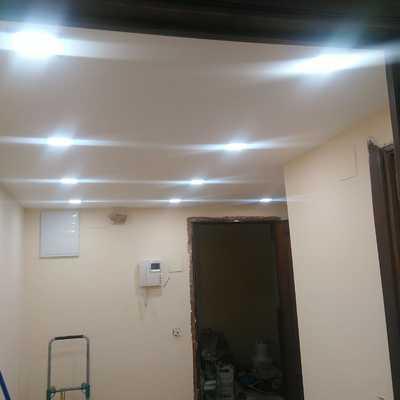 Pintado hall entrada a vivienda e instalación luces LED