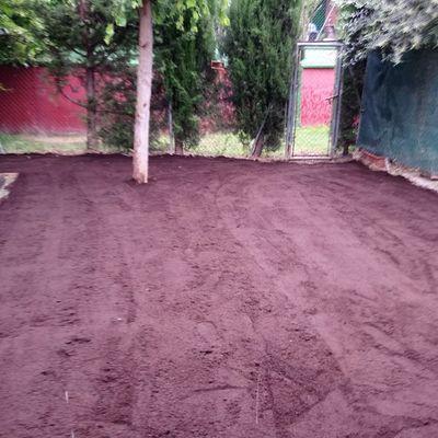 Plantación de césped en tepes en Garrapinillos,preparativos