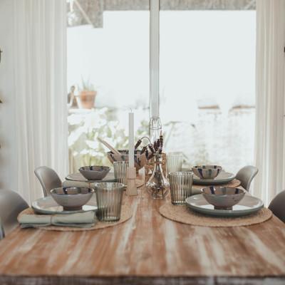 Setting Table