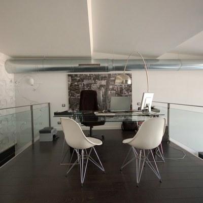 Despacho de loft diseñado con Onebyhdl
