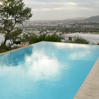 Piscina en Ibiza