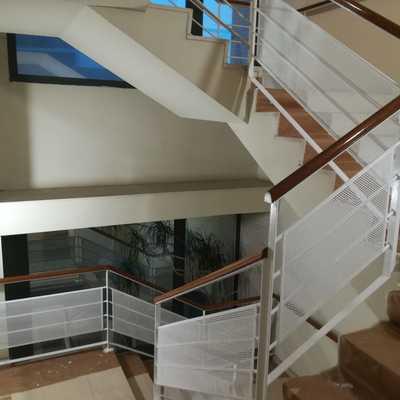 Escalera, revestimiento de seguridad