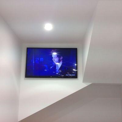 ILUMINACION Y TV PLASMA