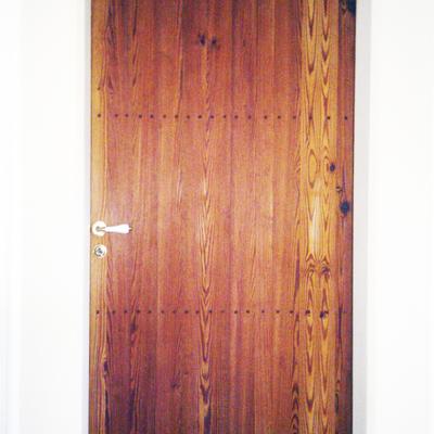 Puerta de pino tea viejo