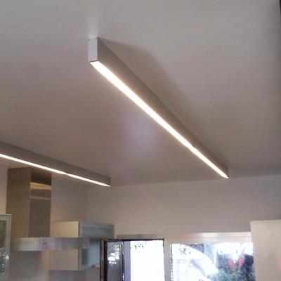 Aplicacion Led perfil superficie cocina