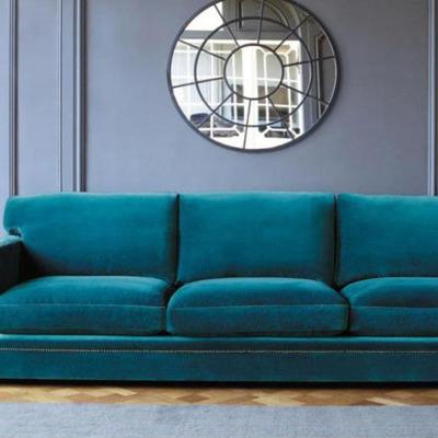 Sofá tapizado en terciopelo marca Gancedo totalmente restaurado