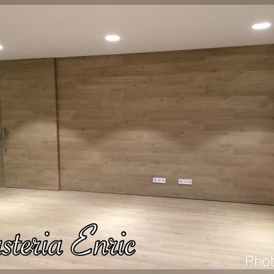 Revestimentos de paredes  i puertas en madera