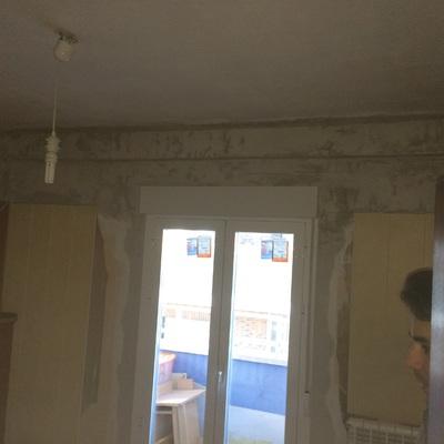 Colocación de puerta de aluminio