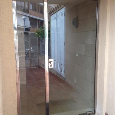 Puerta entrada comunidad de propietarios