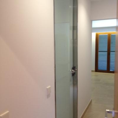 Puerta baño de suelo a techo